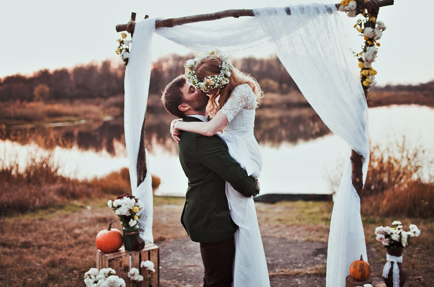 Top 10 Unusual Wedding Venues For Quirky Couples,Stella York Wedding Dress Prices Uk